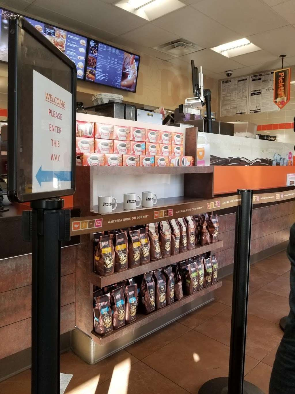 Dunkin - bakery  | Photo 4 of 10 | Address: 9005 Myrtle Ave, Glendale, NY 11385, USA | Phone: (718) 849-0563