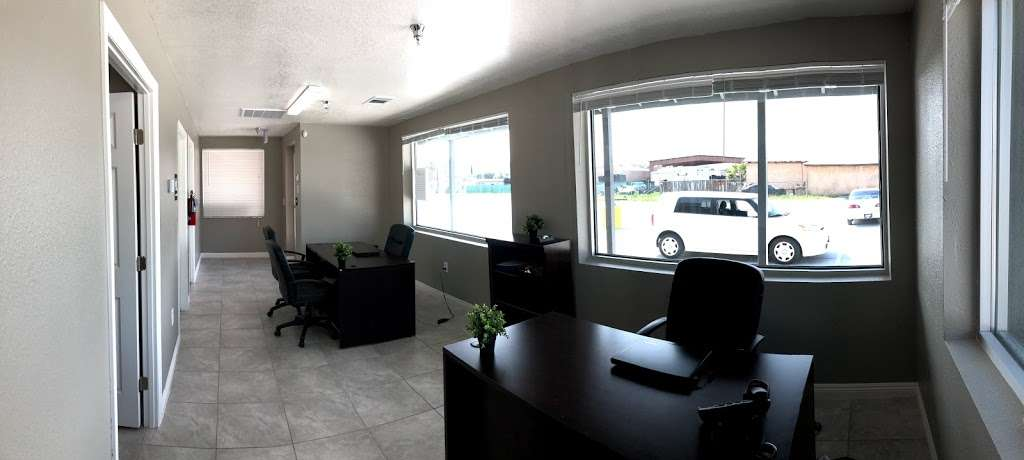 Logix Auto Group - car dealer  | Photo 3 of 10 | Address: 18017 Valley Blvd, Bloomington, CA 92316, USA | Phone: (909) 440-5454