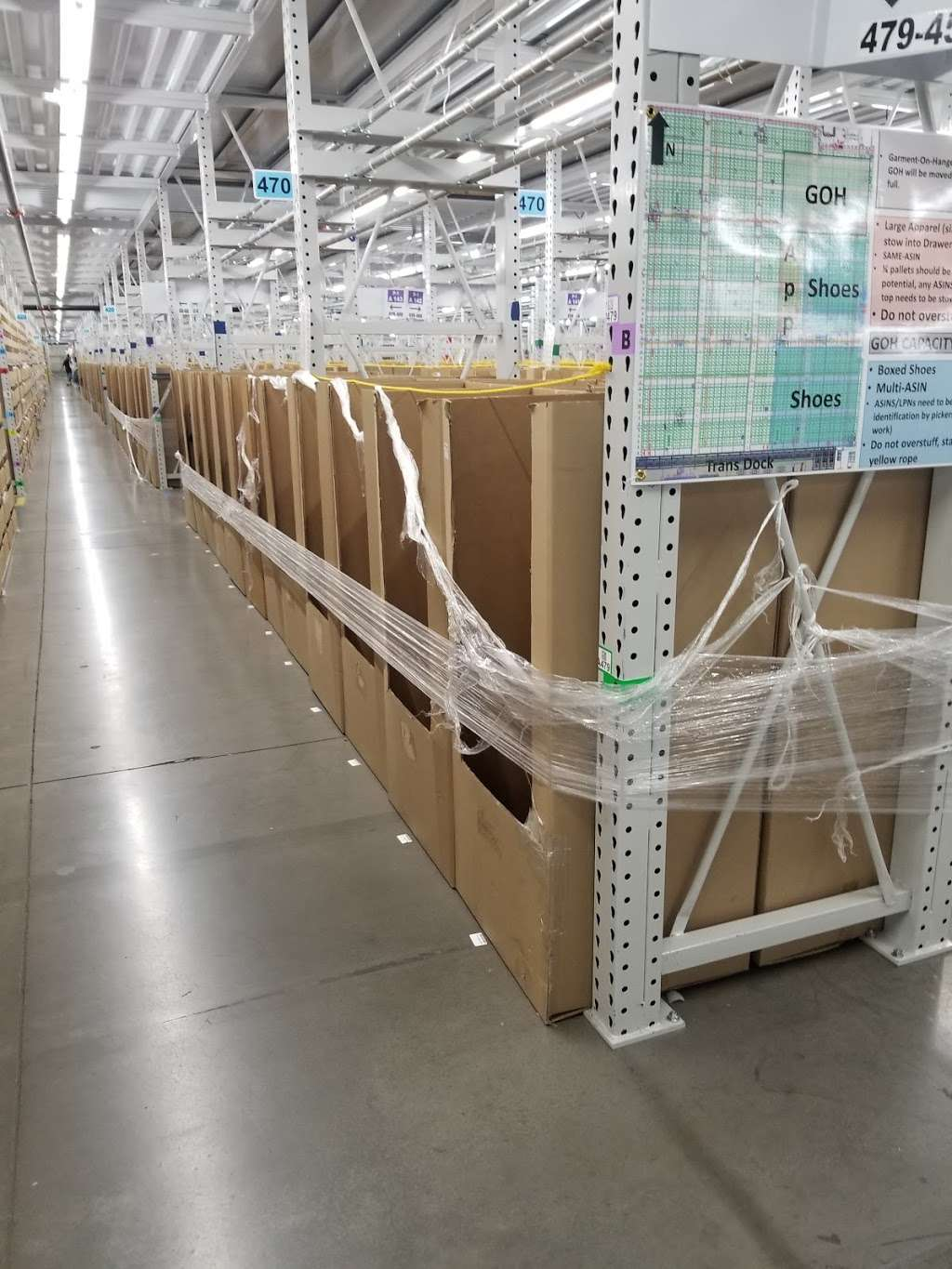 Amazon Fulfillment - PHX3 - storage  | Photo 2 of 10 | Address: 6835 W Buckeye Rd, Phoenix, AZ 85043, USA | Phone: (866) 203-8363