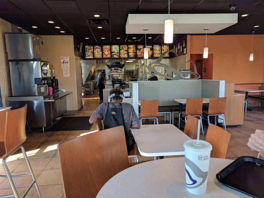 Taco Bell - meal takeaway  | Photo 3 of 10 | Address: 117 S White Horse Pike, Hammonton, NJ 08037, USA | Phone: (609) 878-3482