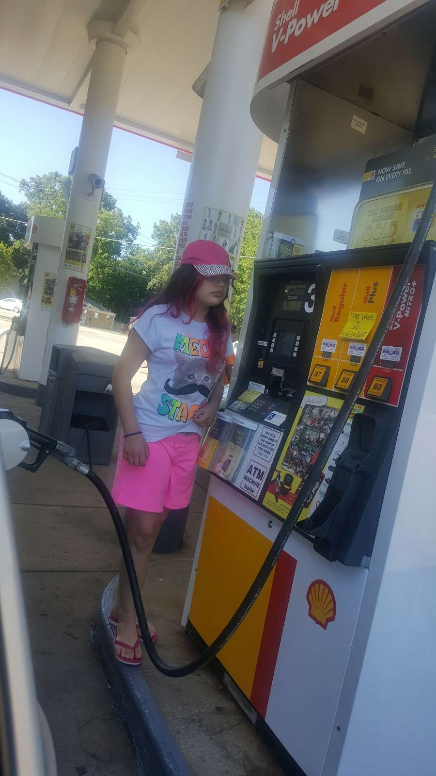 Shell - gas station  | Photo 1 of 2 | Address: 630 W Rand Rd, Mt Prospect, IL 60056, USA | Phone: (847) 788-1000