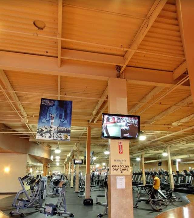 Golds Gym - gym    Photo 9 of 10   Address: 100 Hollister Rd, Teterboro, NJ 07608, USA   Phone: (201) 288-6000