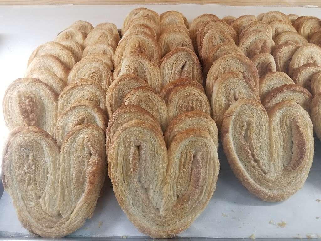 La Feria Bakery - cafe  | Photo 2 of 10 | Address: 2370 Farm to Market 1960 Rd W, Houston, TX 77068, USA | Phone: (832) 286-1498