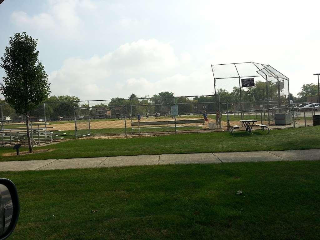 Iroquois Community School - school  | Photo 2 of 8 | Address: 1836 E Touhy Ave, Des Plaines, IL 60018, USA | Phone: (847) 824-1308