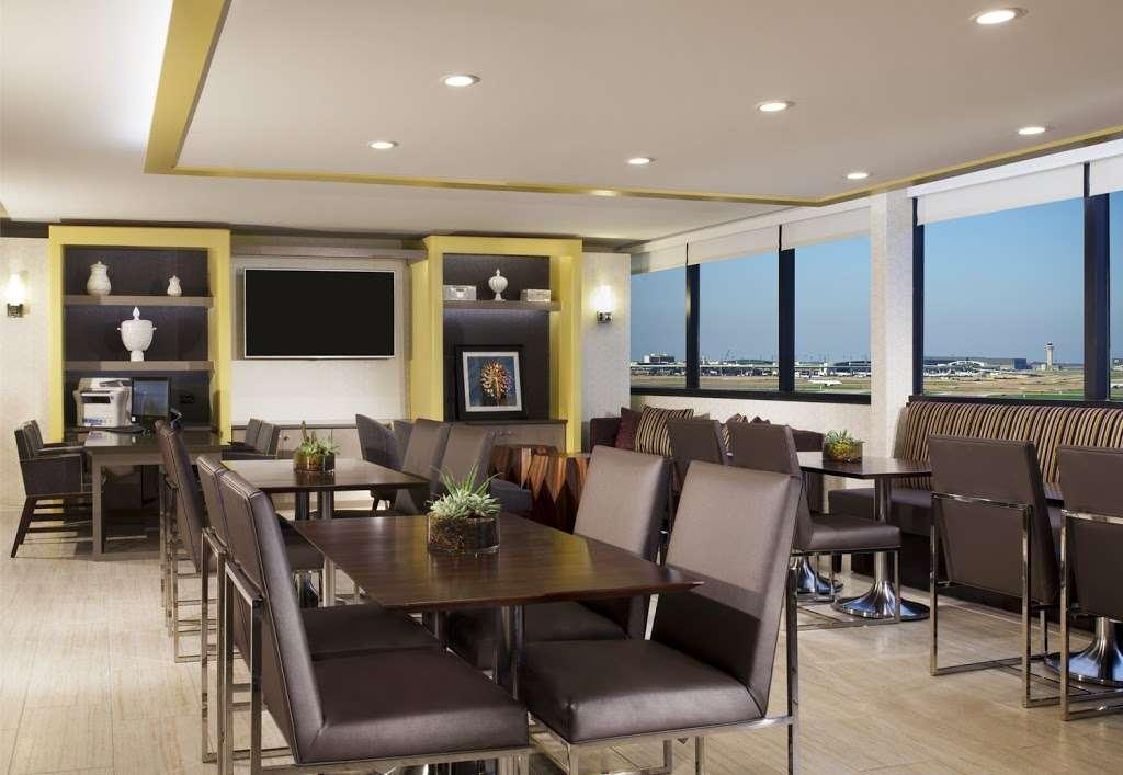 Sheraton DFW Airport Hotel - lodging  | Photo 7 of 10 | Address: 4440 W John Carpenter Fwy, Irving, TX 75063, USA | Phone: (972) 929-8400