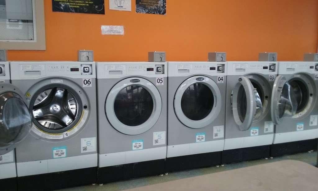 Truman Wash Tub - laundry  | Photo 3 of 10 | Address: 10215 E Truman Rd, Independence, MO 64052, USA | Phone: (816) 503-8593