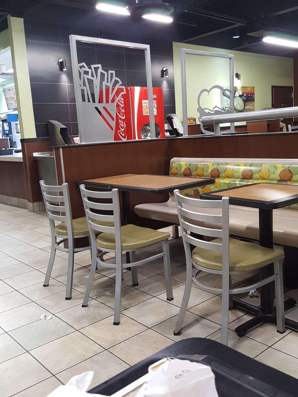 Burger King - restaurant    Photo 5 of 10   Address: 490 US-46, South Hackensack, NJ 07606, USA   Phone: (201) 641-5534