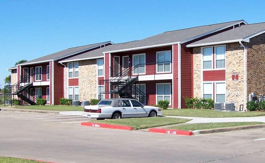 St James Village - real estate agency  | Photo 4 of 10 | Address: 3815 W Fuqua St, Houston, TX 77045, USA | Phone: (713) 434-2225