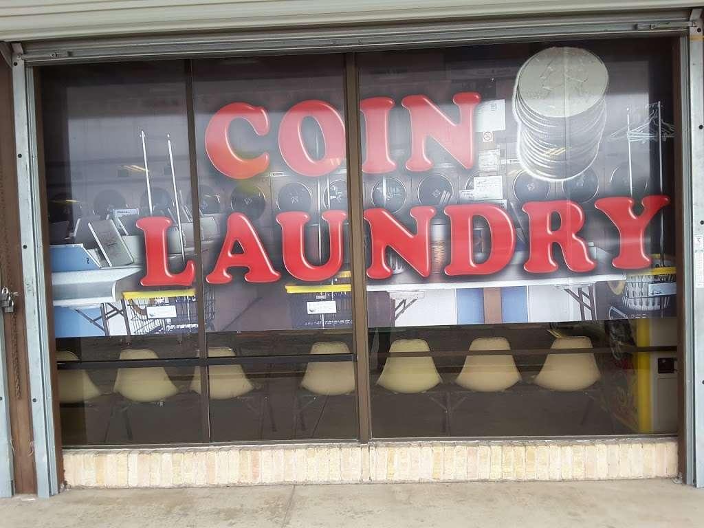 Highlander Center - laundry  | Photo 7 of 9 | Address: 405 Main St #403, Schertz, TX 78154, USA | Phone: (210) 659-7608