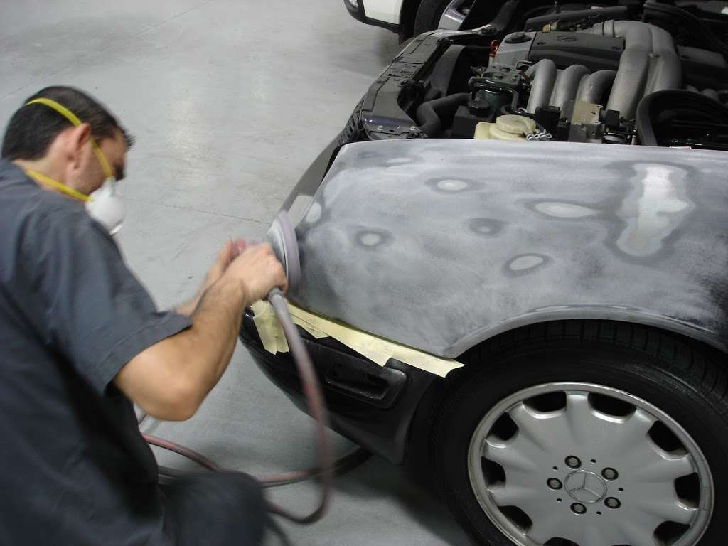 New Look Collision Center - car repair  | Photo 4 of 10 | Address: 5845 W Shelbourne Ave, Las Vegas, NV 89139, USA | Phone: (702) 269-1650