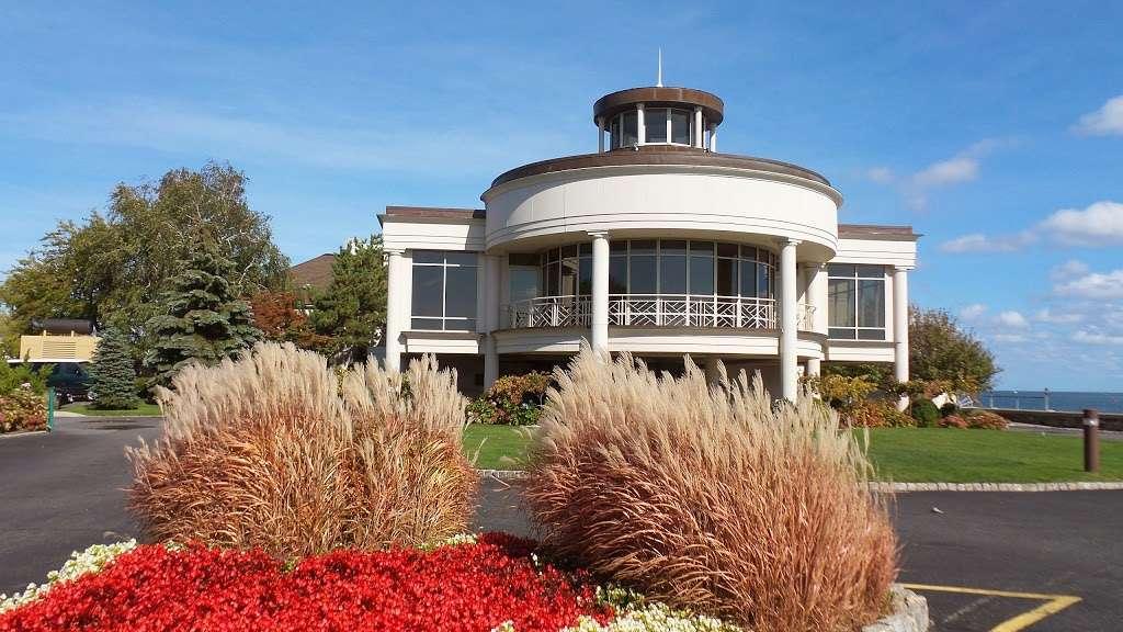 Glen Island Park - park  | Photo 3 of 10 | Address: Weyman Ave, New Rochelle, NY 10805, USA | Phone: (914) 813-6720