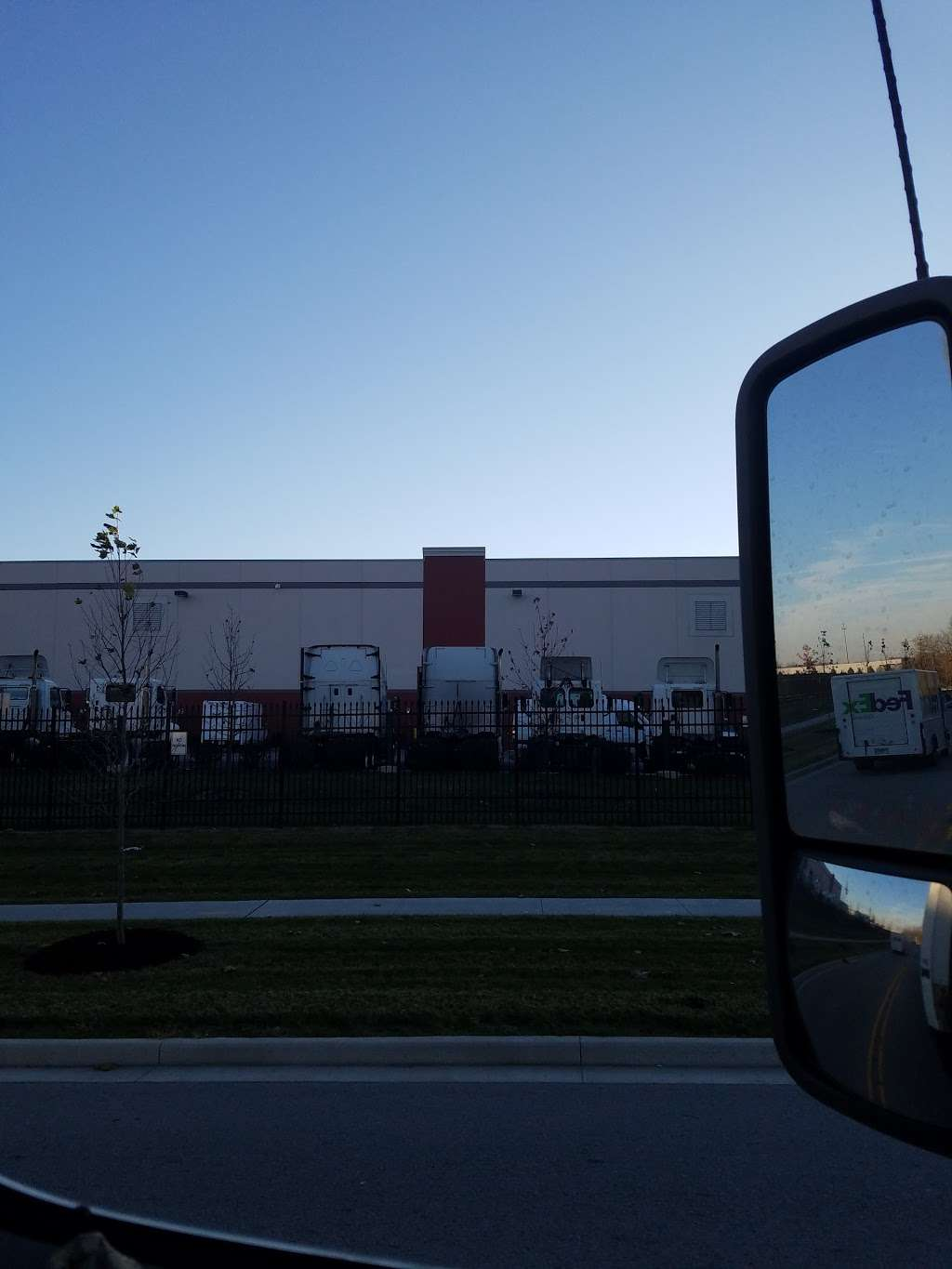 FedEx Ground - moving company  | Photo 7 of 10 | Address: 10301 Bennett Pkwy, Zionsville, IN 46077, USA | Phone: (800) 463-3339