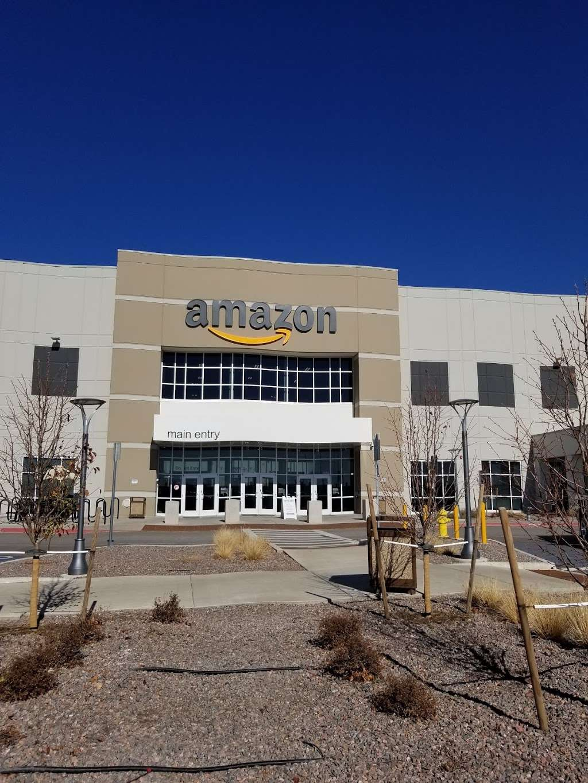 Amazon DEN2 - storage  | Photo 8 of 10 | Address: 22205 E 19th Ave, Aurora, CO 80019, USA | Phone: (855) 574-2041