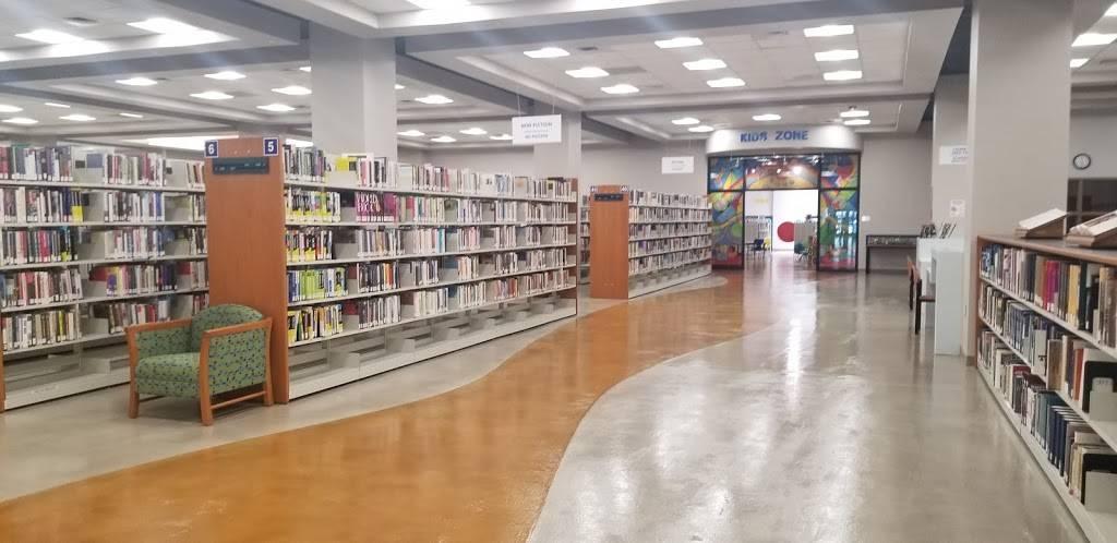 El Paso Public Library Richard Burges Branch - library  | Photo 5 of 5 | Address: 9600 Dyer St C, El Paso, TX 79924, USA | Phone: (915) 212-0317