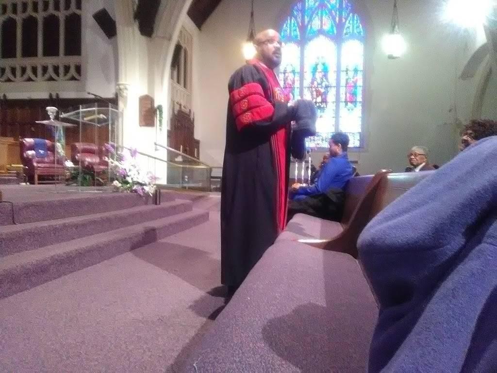 Mt Calvary Missionary Baptist Church - church  | Photo 7 of 9 | Address: 4743 Iroquois Ave, Detroit, MI 48214, USA | Phone: (313) 924-6090