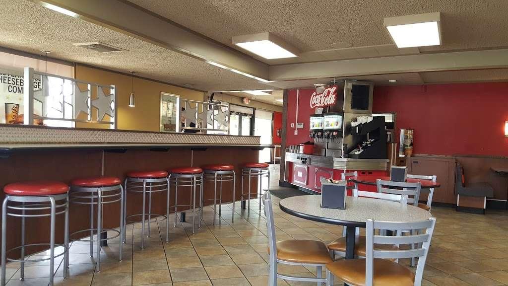 Carls Jr. - restaurant  | Photo 7 of 10 | Address: 2556 Euclid Ave, Ontario, CA 91762, USA | Phone: (909) 984-1871