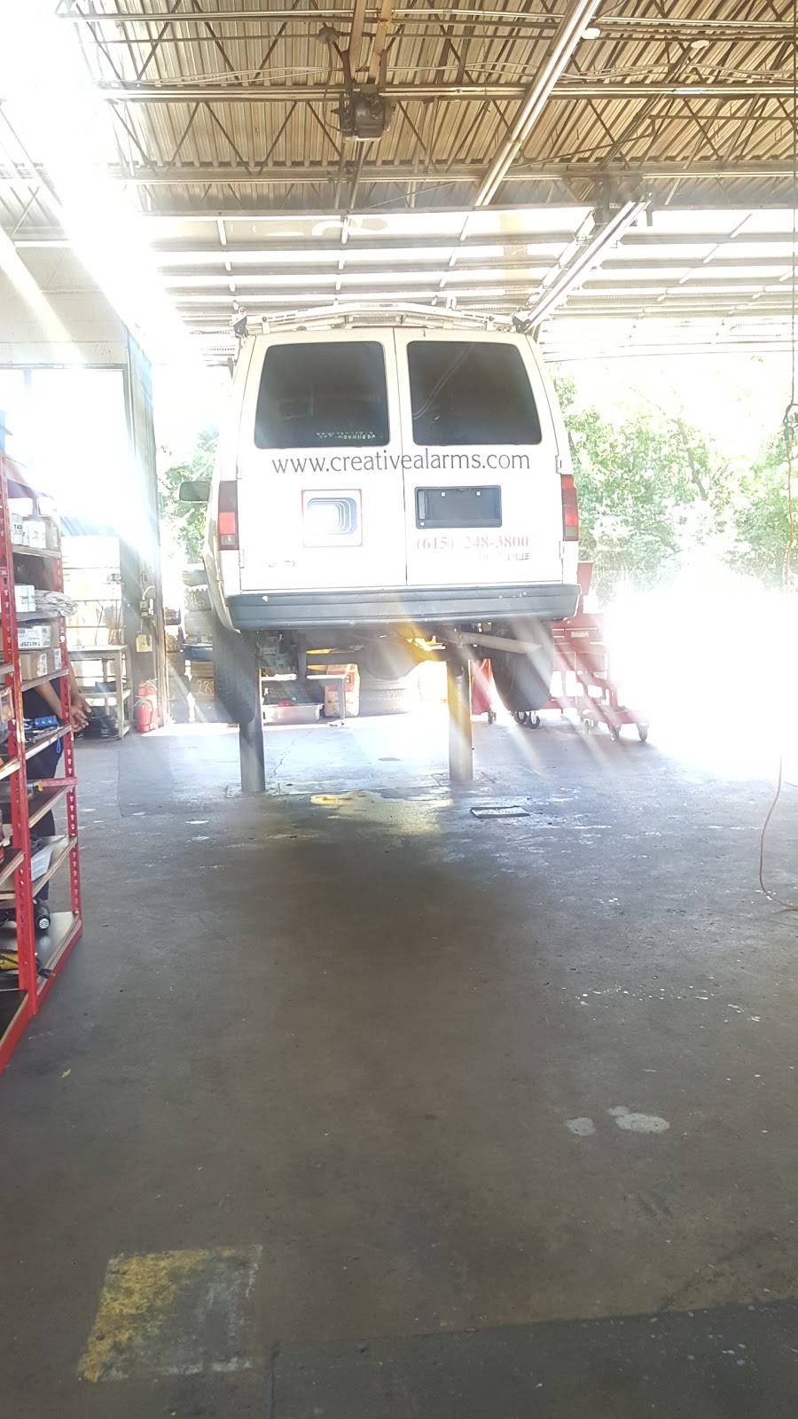 Best deal auto sales and service inc - car repair    Photo 4 of 6   Address: 811 Gallatin Pike S, Madison, TN 37115, USA   Phone: (615) 738-6049