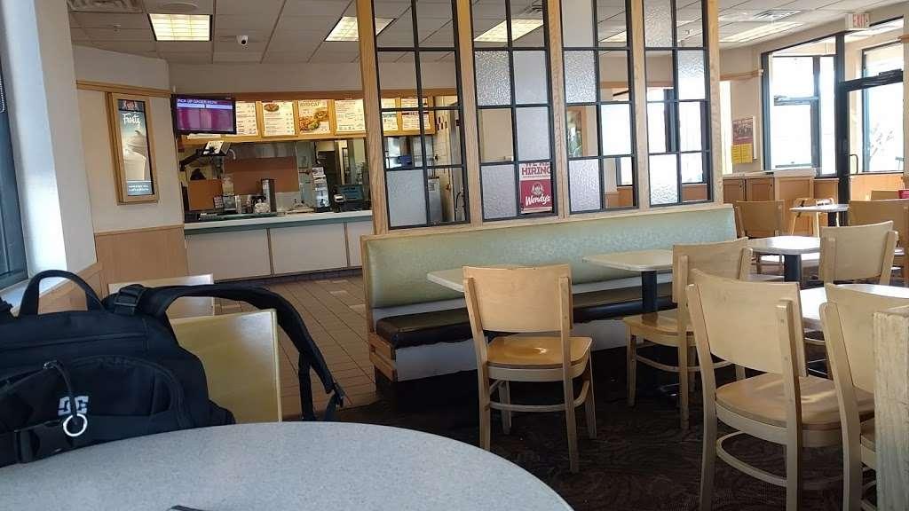 Wendys - restaurant  | Photo 7 of 10 | Address: 1405 W Baseline Rd, Tempe, AZ 85283, USA | Phone: (480) 756-0582