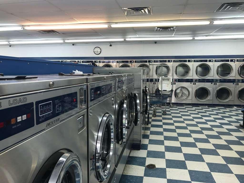 Huntersville Coin Laundry - laundry  | Photo 4 of 10 | Address: 14339 Hunters Rd, Huntersville, NC 28078, USA | Phone: (704) 875-0965