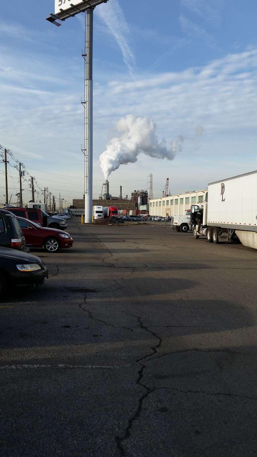 Rocket II District Inc - storage    Photo 1 of 1   Address: 2521 Brunswick Ave, Linden, NJ 07036, USA   Phone: (908) 862-6611