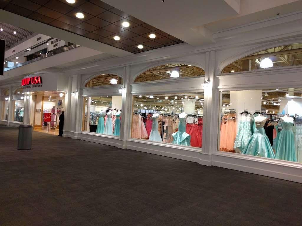 Camille La Vie - shoe store    Photo 4 of 10   Address: The Mills at Jersey Gardens, 651 Kapkowski Rd #130, Elizabeth, NJ 07201, USA   Phone: (908) 351-0909