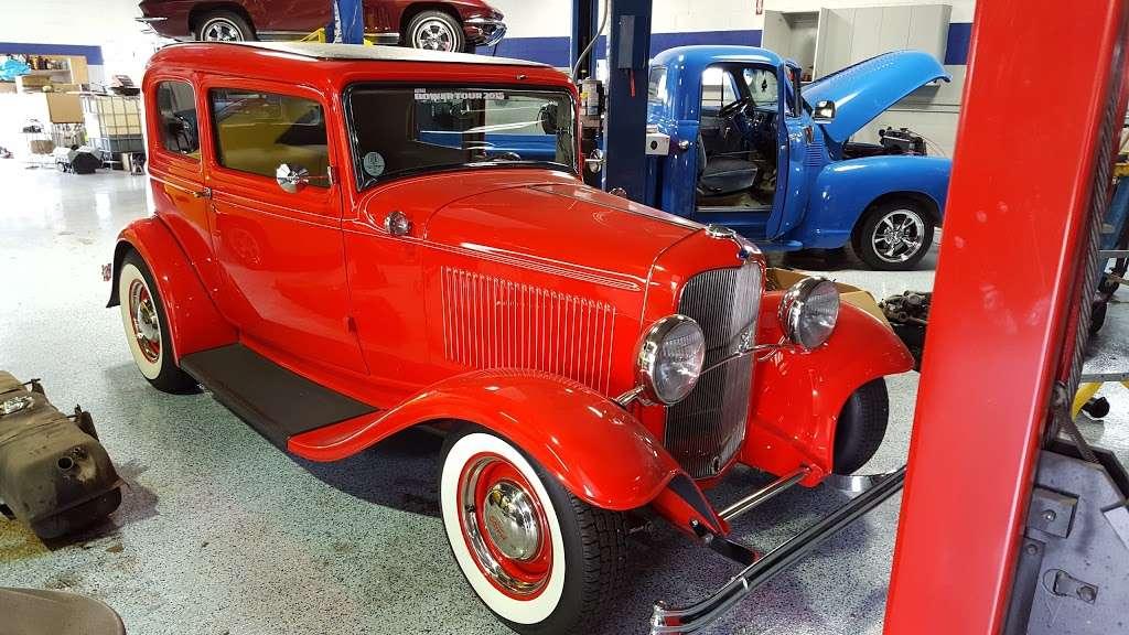 Joes Garage and Customs - car repair  | Photo 7 of 10 | Address: 2050 E Algonquin Rd, Algonquin, IL 60102, USA | Phone: (847) 458-1050