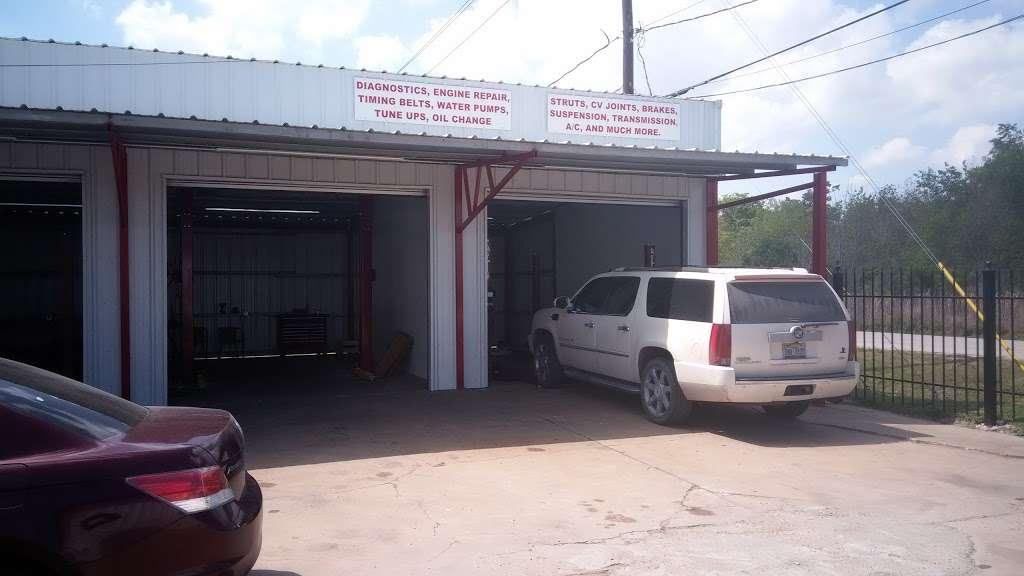 Rios Radiator & Mechanic Shop #2, LLC - car repair  | Photo 1 of 1 | Address: 1141 Sheldon Rd #B, Channelview, TX 77530, USA | Phone: (281) 864-7242