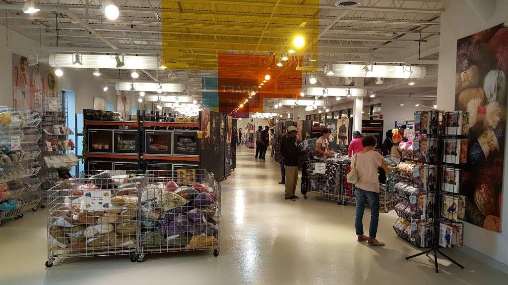 Lion Brand Yarn Outlet - store  | Photo 2 of 10 | Address: 140 Kero Rd, Carlstadt, NJ 07072, USA | Phone: (201) 939-0611