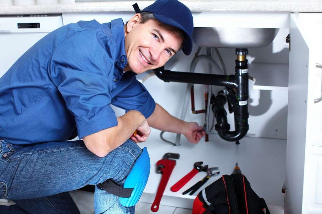 Four Stars Plumbing Co. - plumber  | Photo 4 of 10 | Address: 2407 Pecan St, Carrollton, TX 75010, USA | Phone: (972) 306-9300