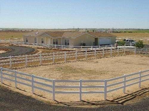 Temecula Valley Horse Property - real estate agency  | Photo 9 of 10 | Address: 40750 Carmelita Cir, Temecula, CA 92591, USA | Phone: (951) 966-1389