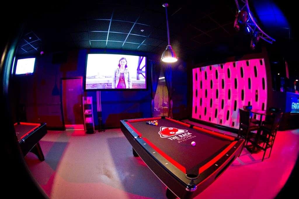 Fantasies Nightclub - night club  | Photo 4 of 10 | Address: 5520 Pennington Ave, Baltimore, MD 21226, USA | Phone: (410) 354-1217