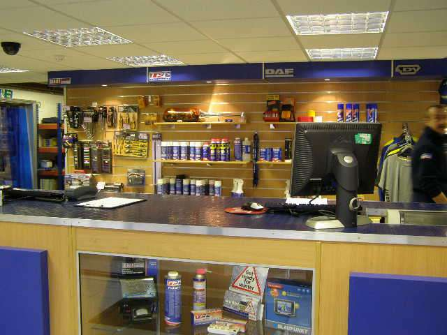 Harris DAF - store    Photo 1 of 10   Address: 601 London Rd, Grays RM20 4AU, UK   Phone: 01708 868386