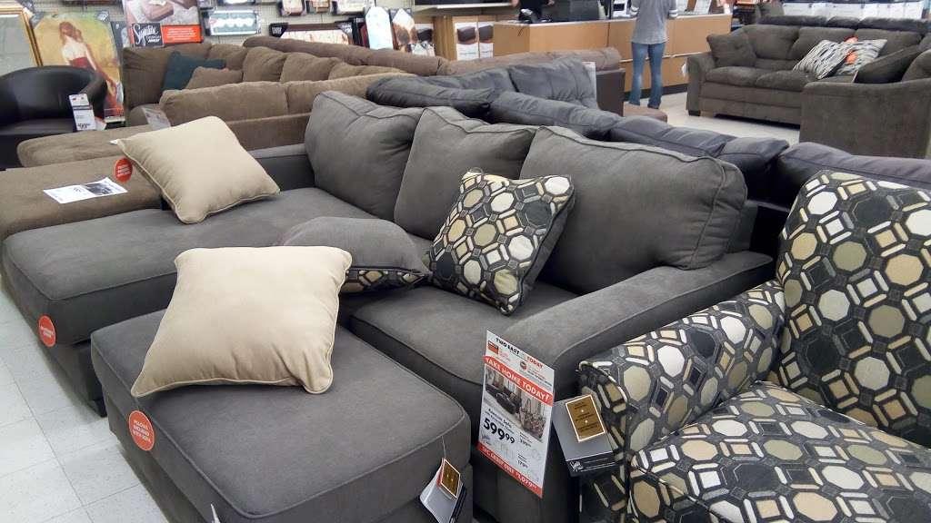 Big Lots - furniture store  | Photo 3 of 10 | Address: 1241 Blakeslee Blvd Dr E, Lehighton, PA 18235, USA | Phone: (570) 386-2345