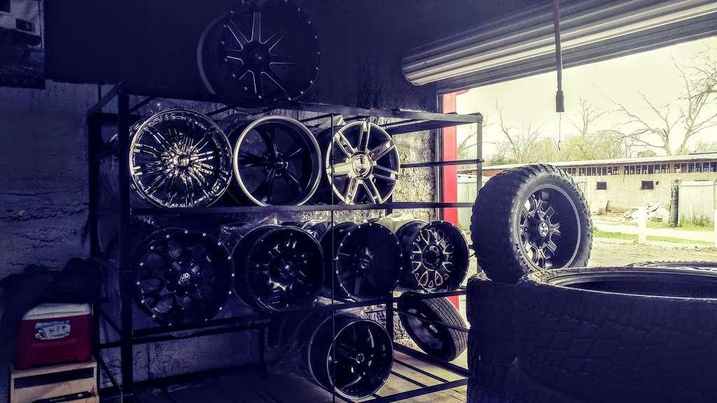 610 Wheels & Tires - car repair  | Photo 1 of 10 | Address: 13101 S Post Oak Rd, Houston, TX 77045, USA | Phone: (713) 726-8473