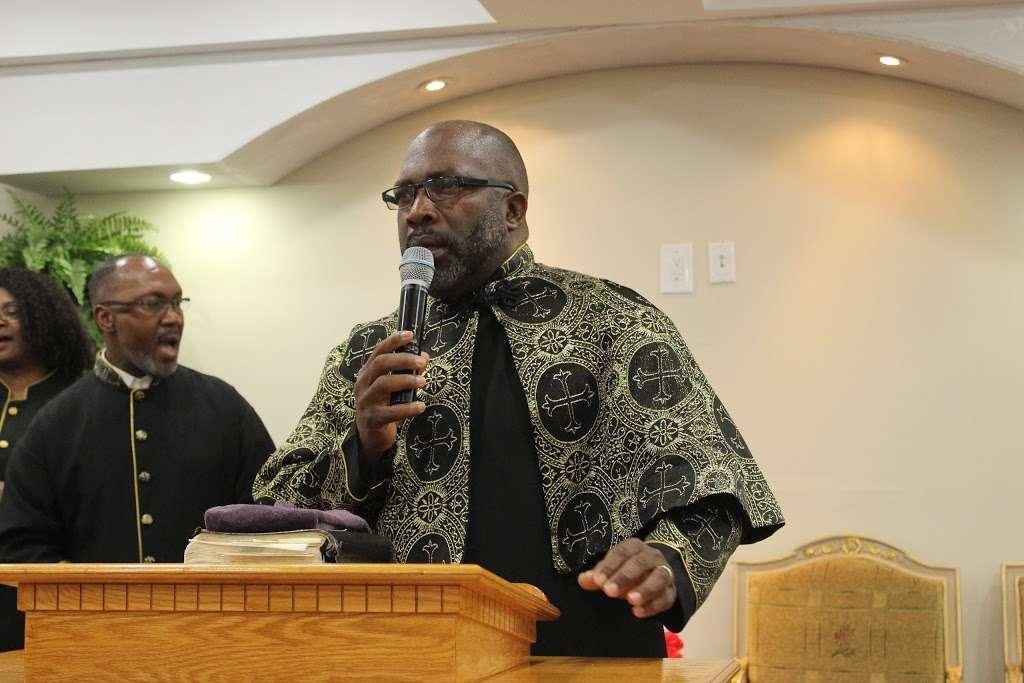 Full Gospel Tabernacle of Faith Church Inc - church  | Photo 7 of 10 | Address: 1212 E New York Ave, Brooklyn, NY 11212, USA | Phone: (718) 773-3359