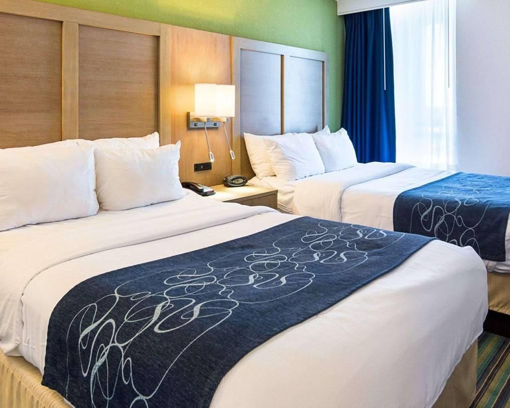 Comfort Suites Beachfront - lodging  | Photo 9 of 10 | Address: 2321 Atlantic Ave, Virginia Beach, VA 23451, USA | Phone: (757) 491-2400