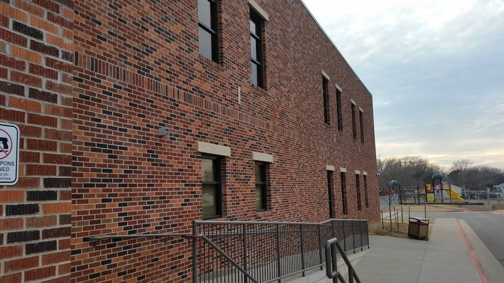 Rockwood Elementary School - school    Photo 1 of 4   Address: 3101 SW 24th St, Oklahoma City, OK 73108, USA   Phone: (405) 587-1500