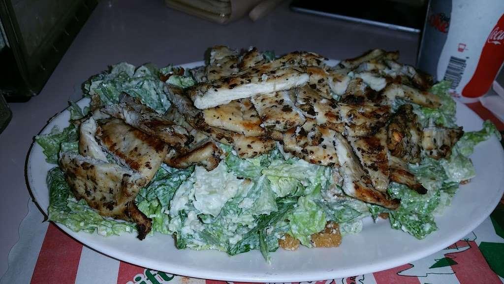 Franks Pizza - restaurant  | Photo 9 of 10 | Address: 2134 Flatbush Ave, Brooklyn, NY 11234, USA | Phone: (718) 377-8100