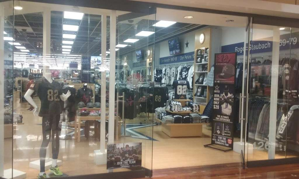 Dallas Cowboys - clothing store  | Photo 1 of 10 | Address: 2500 Regent Blvd #200, Irving, TX 75261, USA | Phone: (972) 785-4240