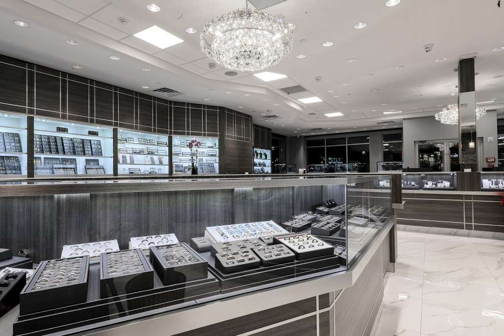 Papas Gold City Jewelers - jewelry store    Photo 2 of 10   Address: 1880 Central Park Ave, Yonkers, NY 10710, USA   Phone: (914) 337-6677