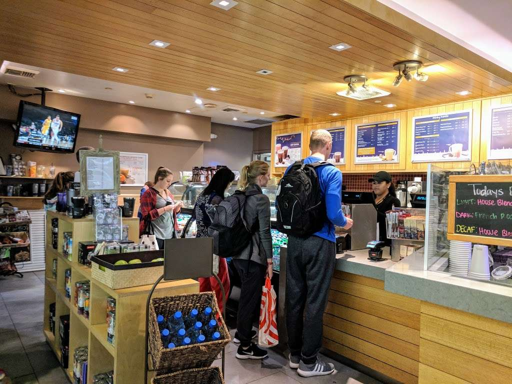 The Coffee Bean & Tea Leaf - cafe  | Photo 2 of 10 | Address: 550 World Way, Los Angeles, CA 90045, USA | Phone: (310) 337-1011