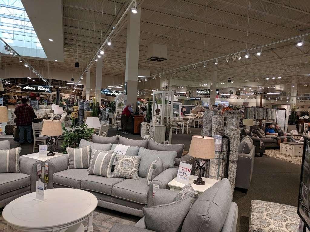 American Furniture Warehouse - furniture store  | Photo 8 of 10 | Address: 5801 N 99th Ave, Glendale, AZ 85305, USA | Phone: (602) 422-8800