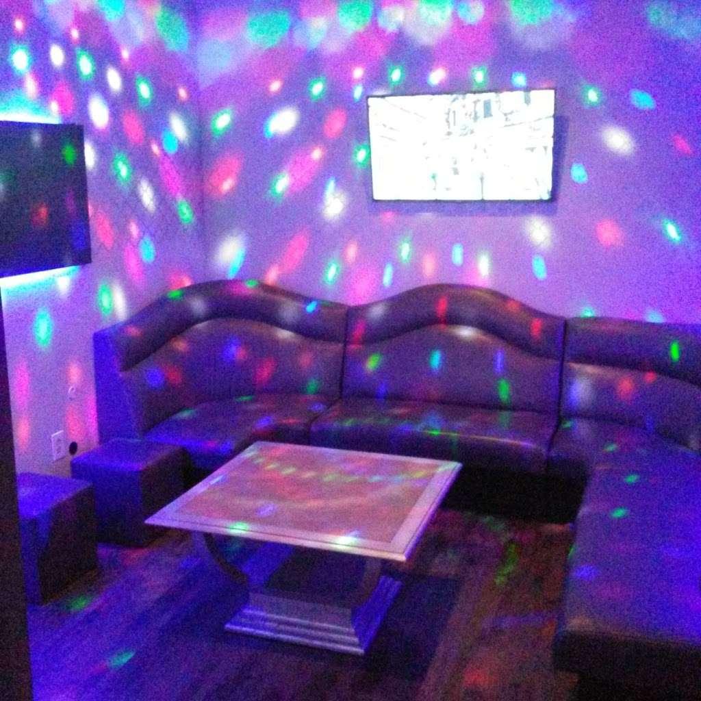 GoGo Karaoke - night club  | Photo 9 of 10 | Address: 4550 Maryland Parkway #18, Las Vegas, NV 89119, USA | Phone: (702) 739-9011