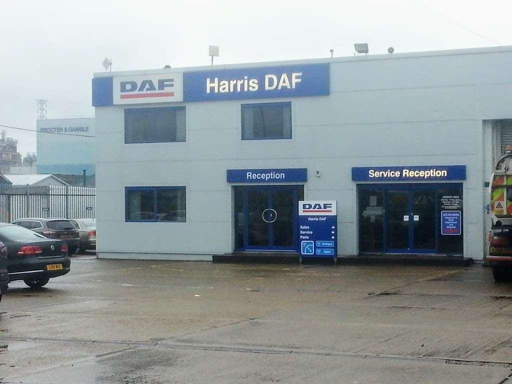 Harris DAF - store    Photo 4 of 10   Address: 601 London Rd, Grays RM20 4AU, UK   Phone: 01708 868386