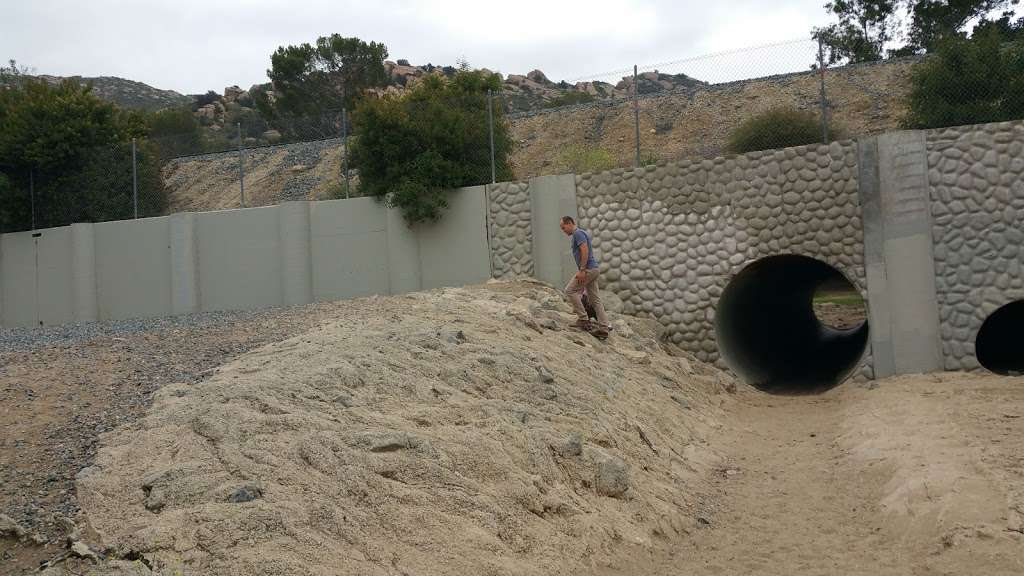 Susana Woods Prestige Mobile - rv park    Photo 8 of 10   Address: 6480 Katherine Rd, Simi Valley, CA 93063, USA   Phone: (805) 522-6660