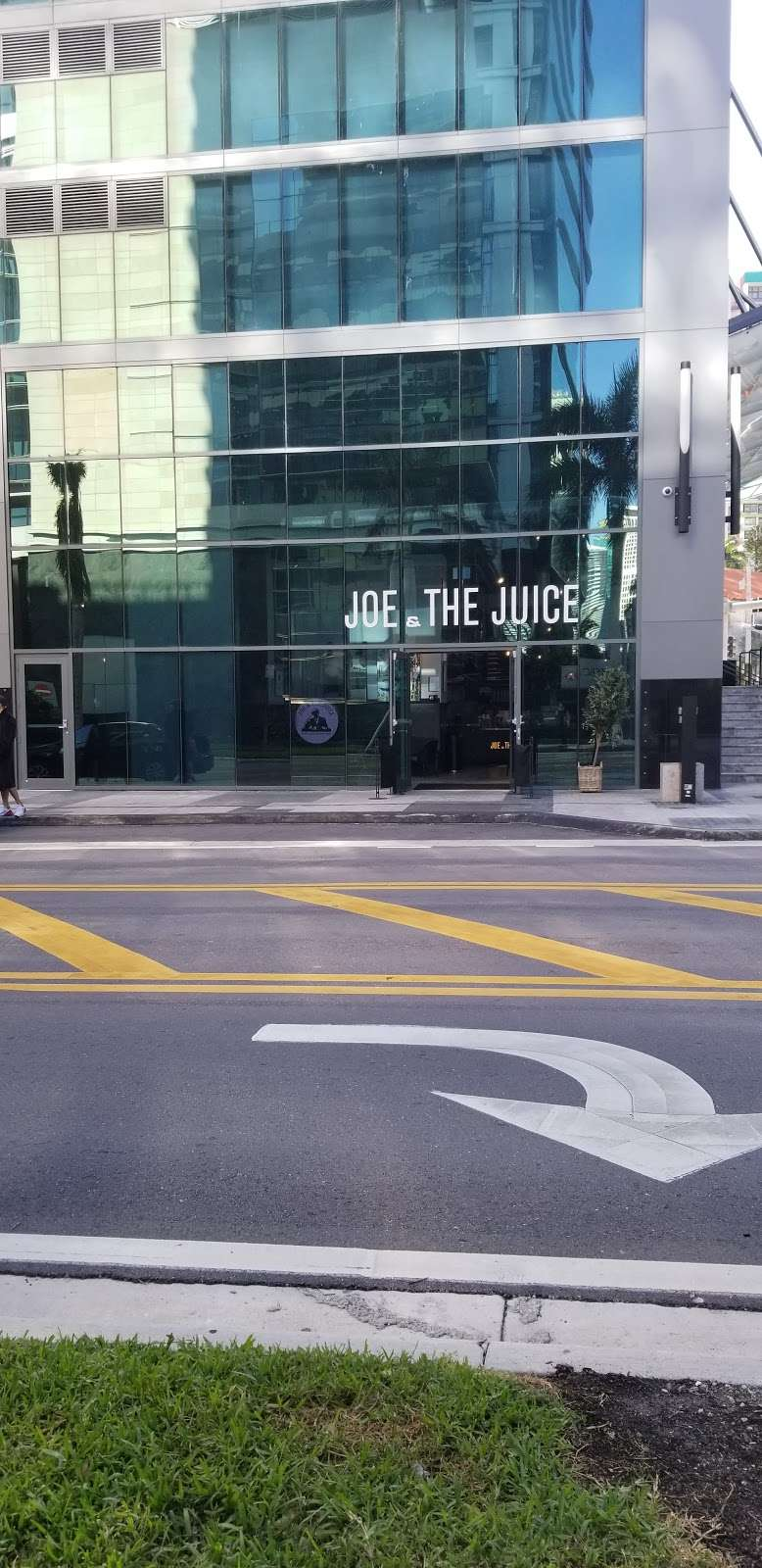 JOE & THE JUICE - meal takeaway  | Photo 7 of 9 | Address: 1451 Brickell Ave, Miami, FL 33131, USA