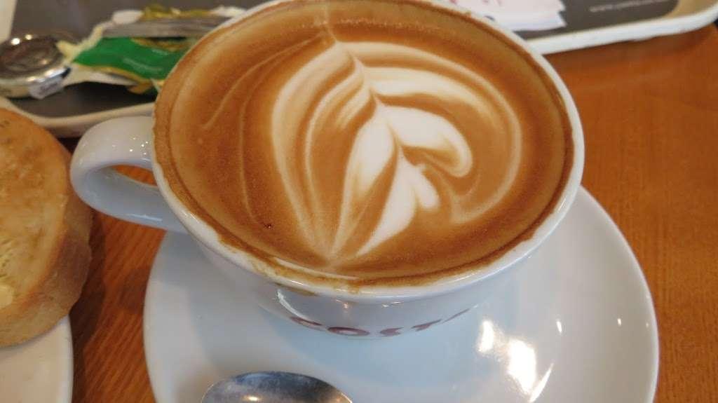Costa Coffee - cafe  | Photo 7 of 10 | Address: UO49, Bluewater Pkwy, Dartford DA9 9SQ, UK | Phone: 01322 427626
