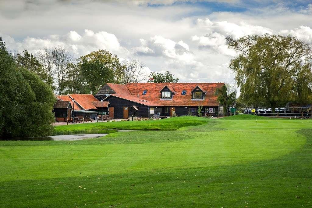 Stapleford Abbotts Golf Club - health    Photo 5 of 10   Address: Horsemanside, Tysea Hill, Romford RM4 1JU, UK   Phone: 01708 381108