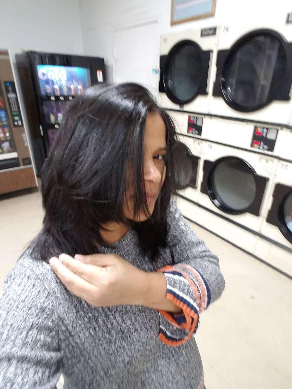 Hartford Avenue Laundromat - laundry  | Photo 2 of 3 | Address: 401 Hartford Ave, Providence, RI 02909, USA | Phone: (401) 751-9355