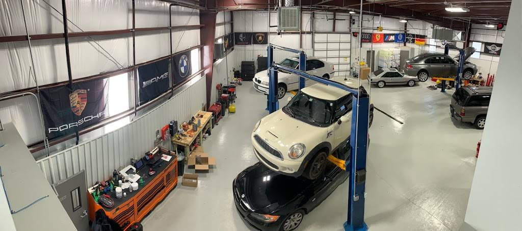 German Motor Works INC - BMW-MINI COOPER - MERCEDES BENZ - AUDI  - car repair  | Photo 7 of 10 | Address: 12627 E Central Ave #100, Wichita, KS 67206, USA | Phone: (316) 867-2828
